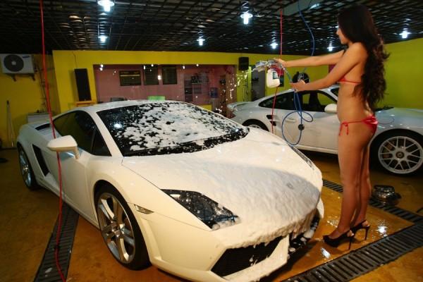 La Franchise de Lavage érotique de voitures à Shanghai