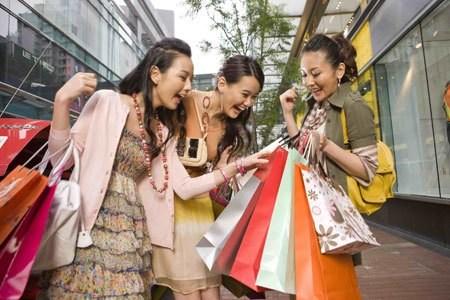 Les achats des touristes chinois à l'étranger