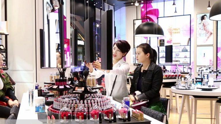 Les chinoises de plus en plus se maquillent