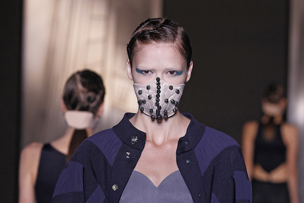 Des masques contre la pollution glamour en Chine